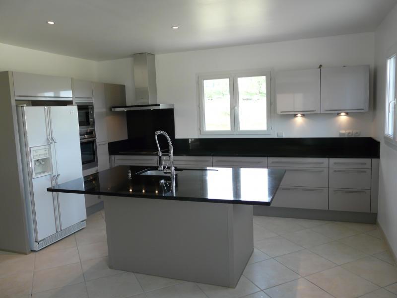 Plan de travail de cuisine en marbre noir - pearlfection.fr