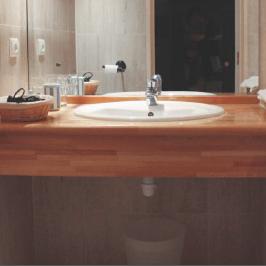 Plan de travail bois salle de bain traitement - pearlfection.fr